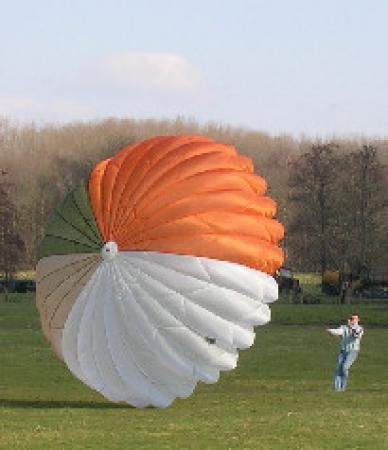 parachute_nl.jpg